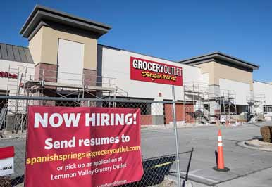 Grocery Outlet Replacing Long-Shuttered Building