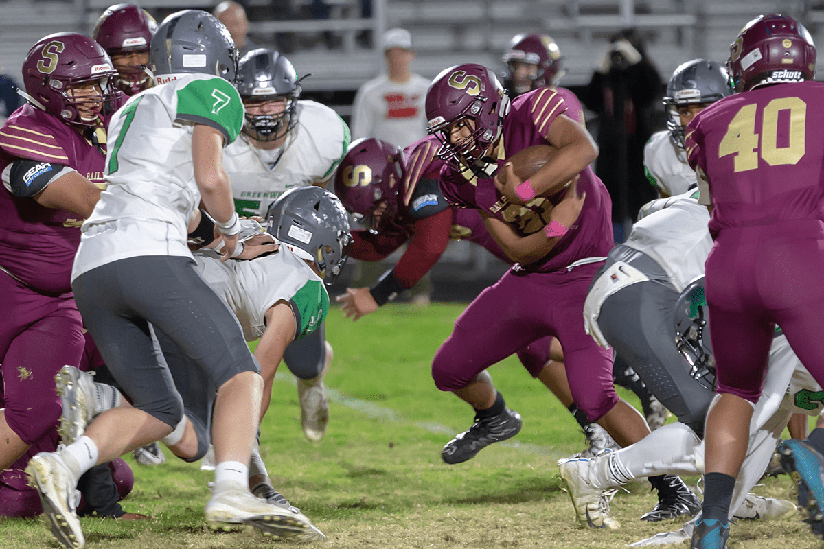 Prep Football Roundup: Tough Night for Raiders, Railroaders; Cougs Win Sets up Big Game Friday